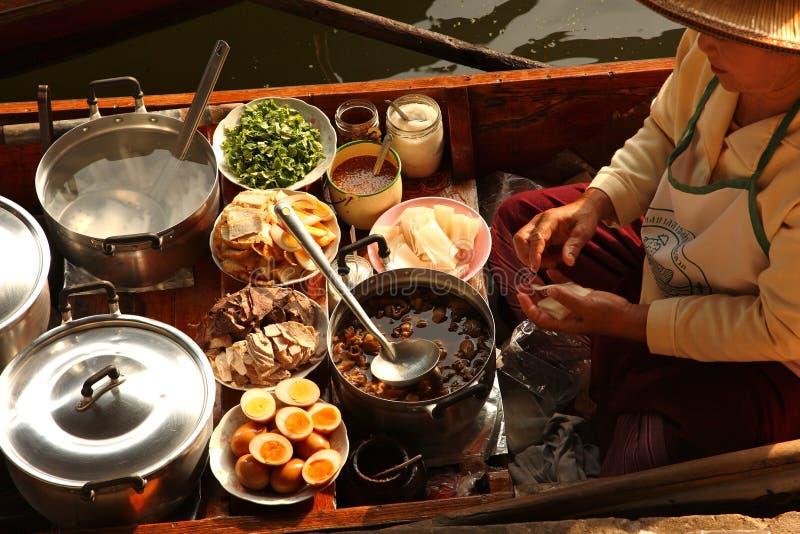 Mercado de flutuação, Tailândia fotos de stock royalty free
