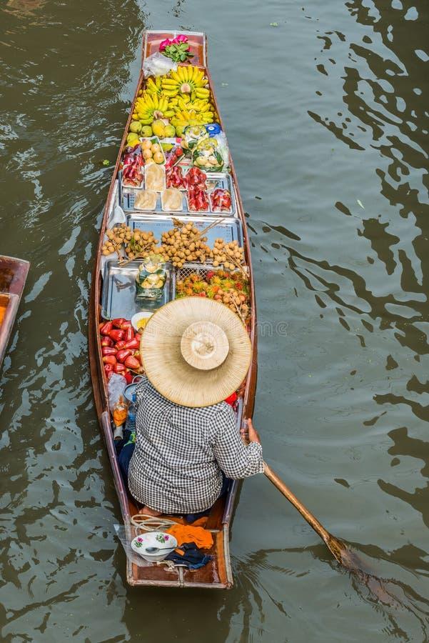 Mercado de flutuação Tailândia de Amphawa Banguecoque do barco do fruto imagens de stock royalty free
