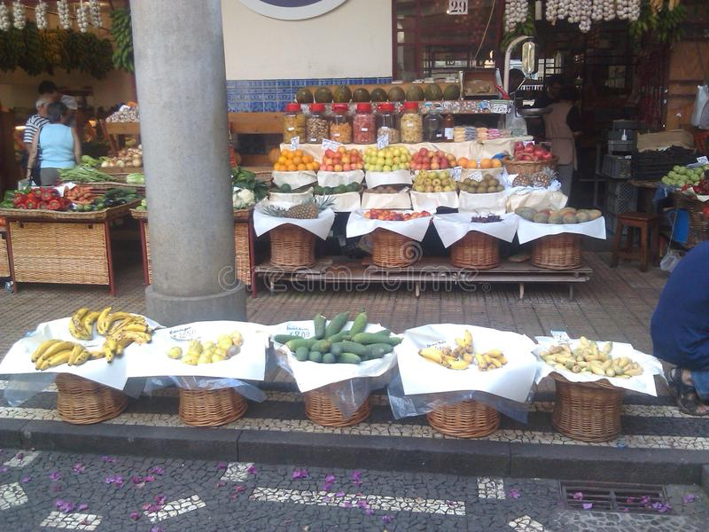 Mercado de la comida de Madeira Islan Portugal fotos de archivo