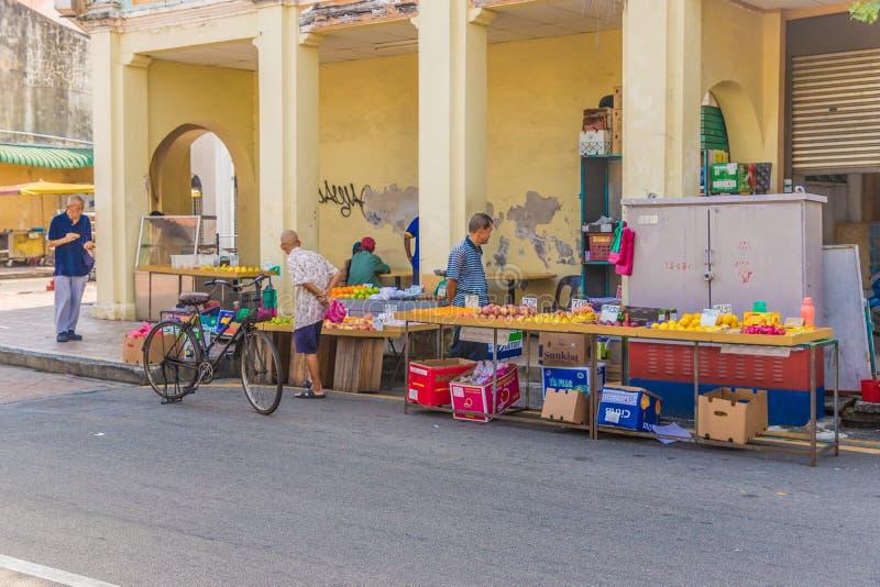 Mercado de la fruta y verdura de la calle de Campbell en George Town Malasia fotos de archivo libres de regalías