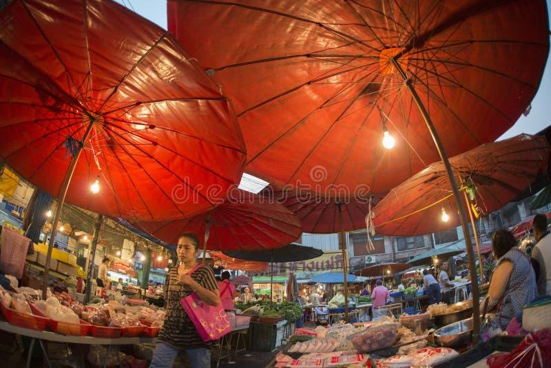 MERCADO DE LA MAÑANA DE ASIA TAILANDIA BANGKOK NOTHABURI foto de archivo libre de regalías