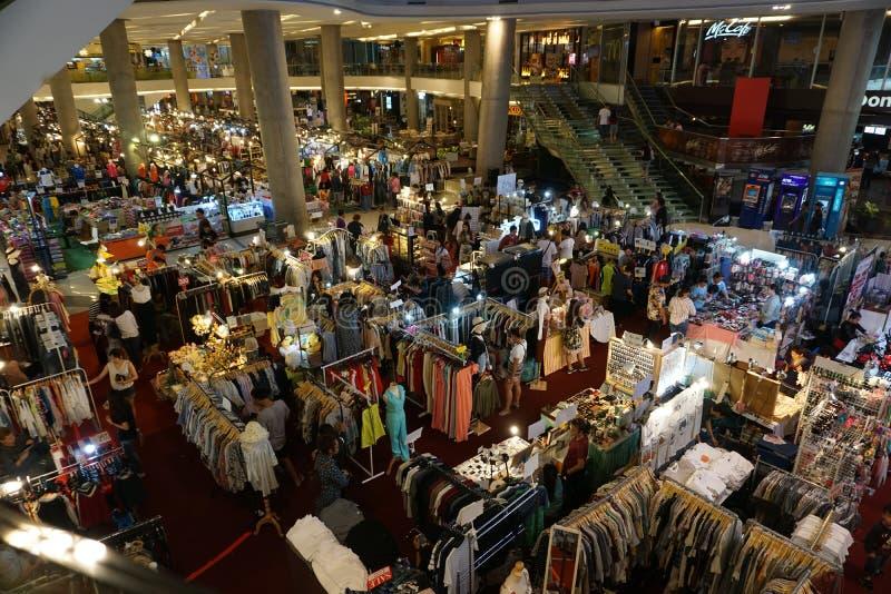 Mercado de la moda dentro de la alameda fotos de archivo
