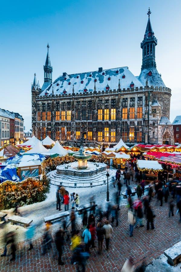 Mercado de la Navidad de Aquisgrán fotos de archivo