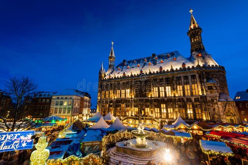 Mercado de la Navidad de Aquisgrán foto de archivo