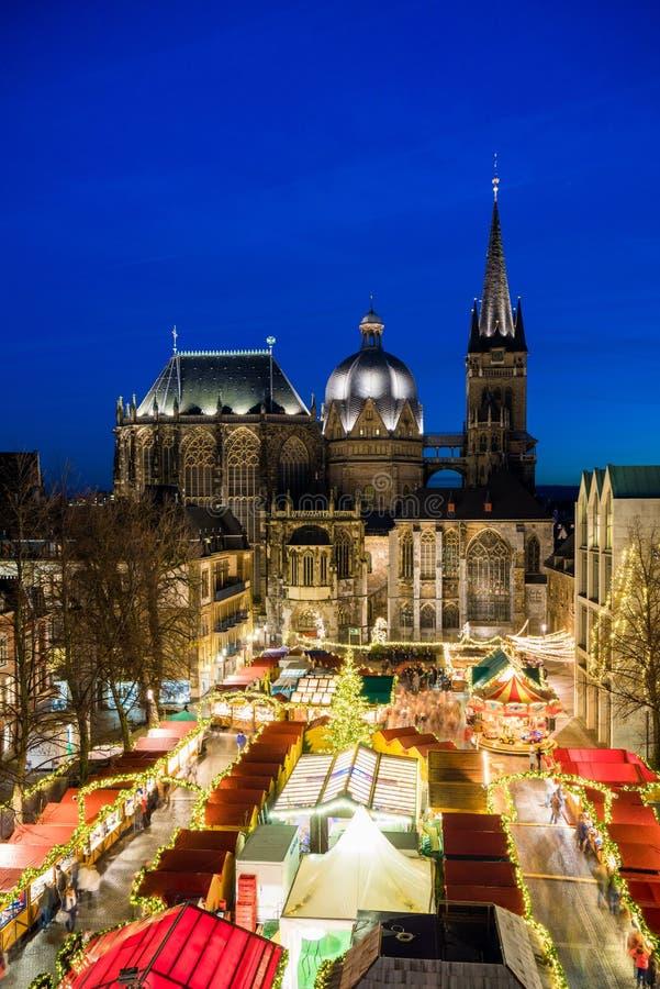 Mercado de la Navidad de Aquisgrán fotos de archivo libres de regalías