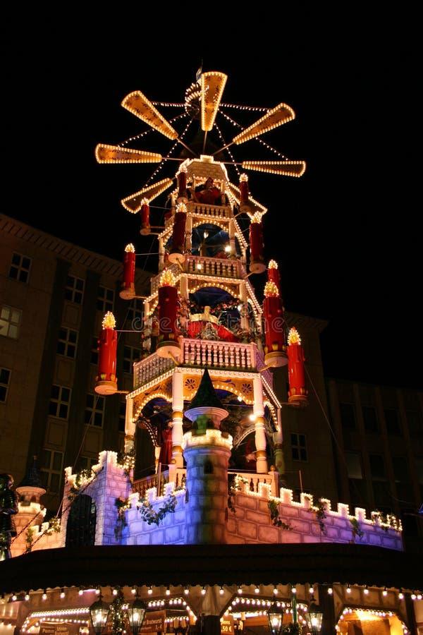 Mercado de la Navidad - auf de Märchen-Weihnachts-Pyramide imágenes de archivo libres de regalías