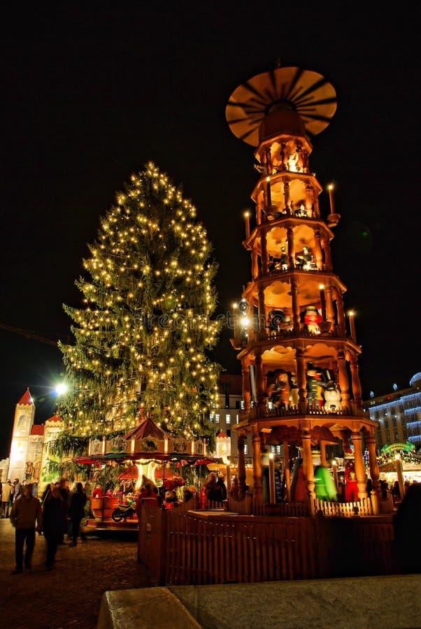 Mercado de la Navidad de Dresden fotos de archivo
