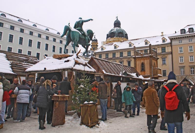 Mercado de la Navidad de la Edad Media en Munich fotografía de archivo