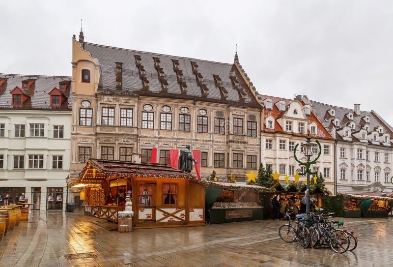 Mercado de la Navidad en Augsburg, Alemania imágenes de archivo libres de regalías