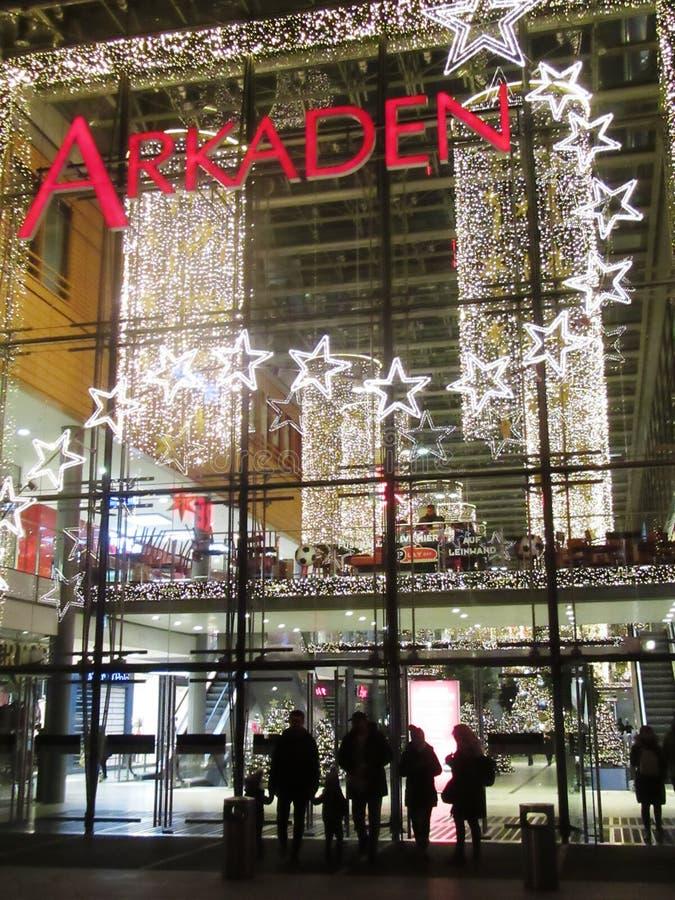 Mercado de la Navidad en Potsdamer Platz en Berlín fotografía de archivo