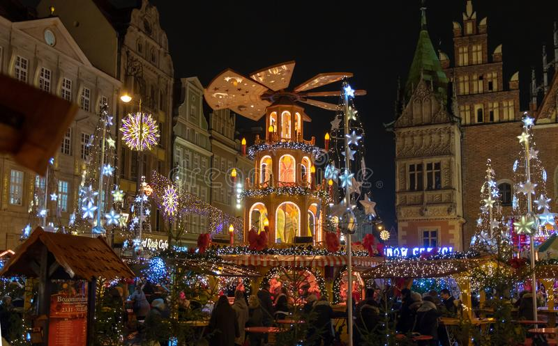 Mercado de la Navidad en Wroclaw Puente de la bah?a en San Francisco, CA polonia imagenes de archivo