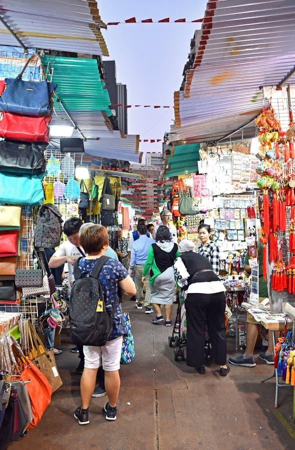 Mercado de la noche de la calle del templo fotos de archivo