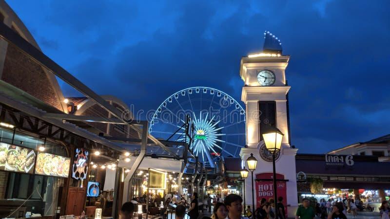 Mercado de la noche de la noria fotografía de archivo libre de regalías