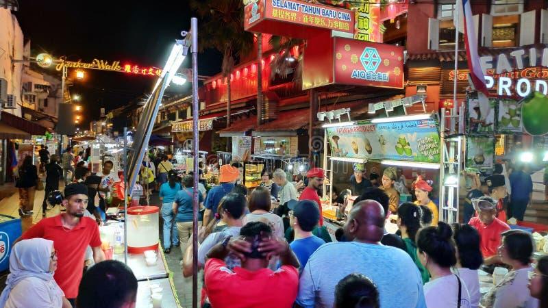 Mercado de la noche situado en la calle de Jonker, Melaka fotografía de archivo