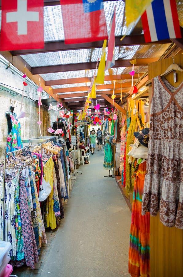 Mercado de la ropa en Bangkok imagen de archivo libre de regalías
