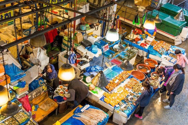 Mercado de los mariscos en Seul fotos de archivo