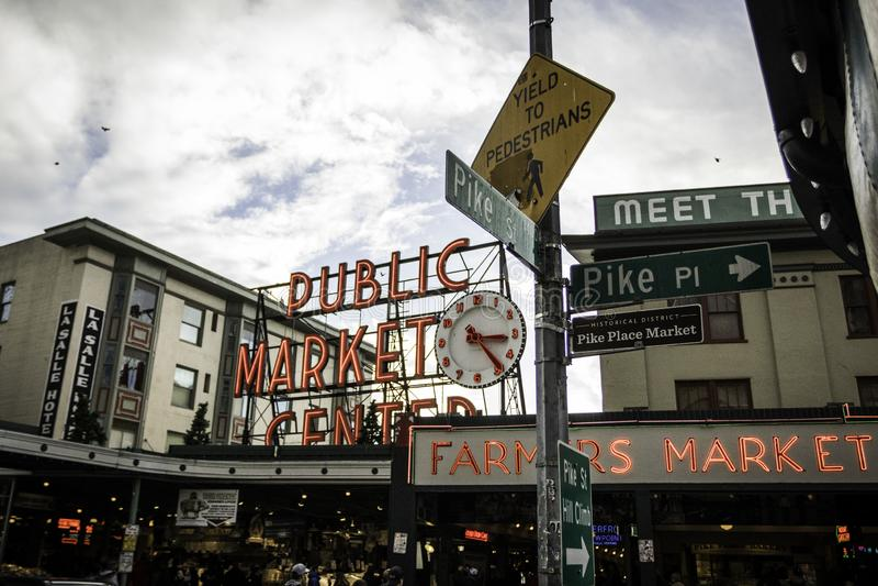 Mercado de lugar de Pike em Seattle fotos de stock royalty free