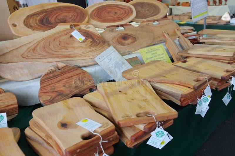 Mercado de madeira Melbourne Austrália da rainha Victoria da placa de desbastamento foto de stock royalty free