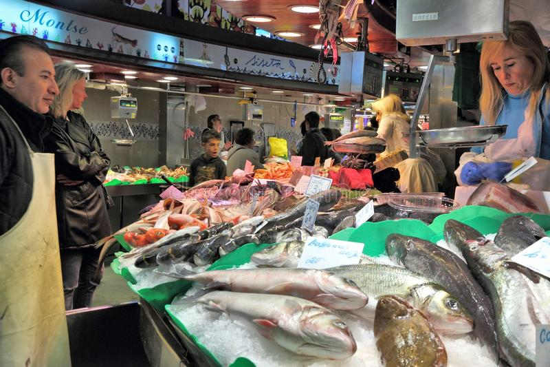 Mercado de peixes de Boqueria fotos de stock