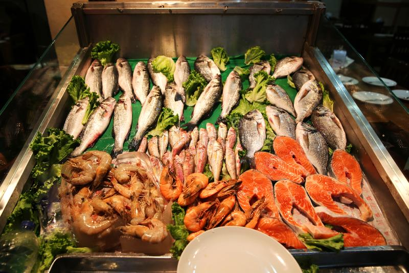 Mercado de peixes em Ä°stanbul Beyoglu imagens de stock royalty free