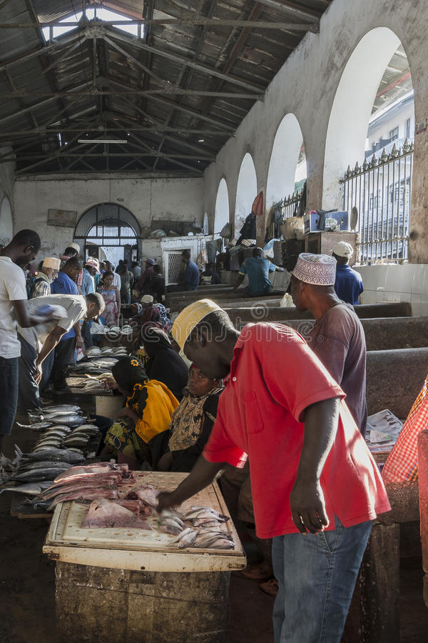 Mercado de peixes na cidade de pedra fotos de stock royalty free