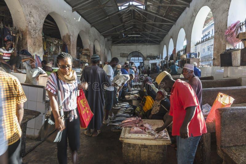 Mercado de peixes na cidade de pedra foto de stock royalty free