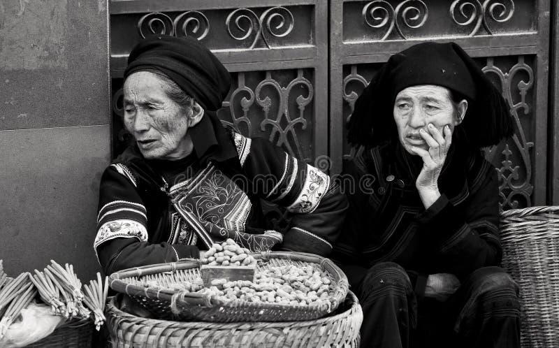 Mercado de produtos agrícolas em Yunnan imagens de stock royalty free