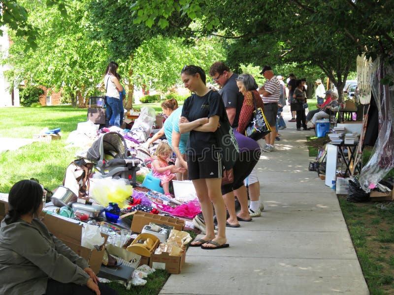 Mercado de pulgas de sábado foto de archivo