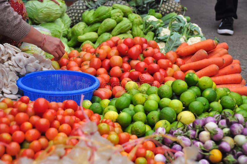 Mercado de rua do Lao imagens de stock