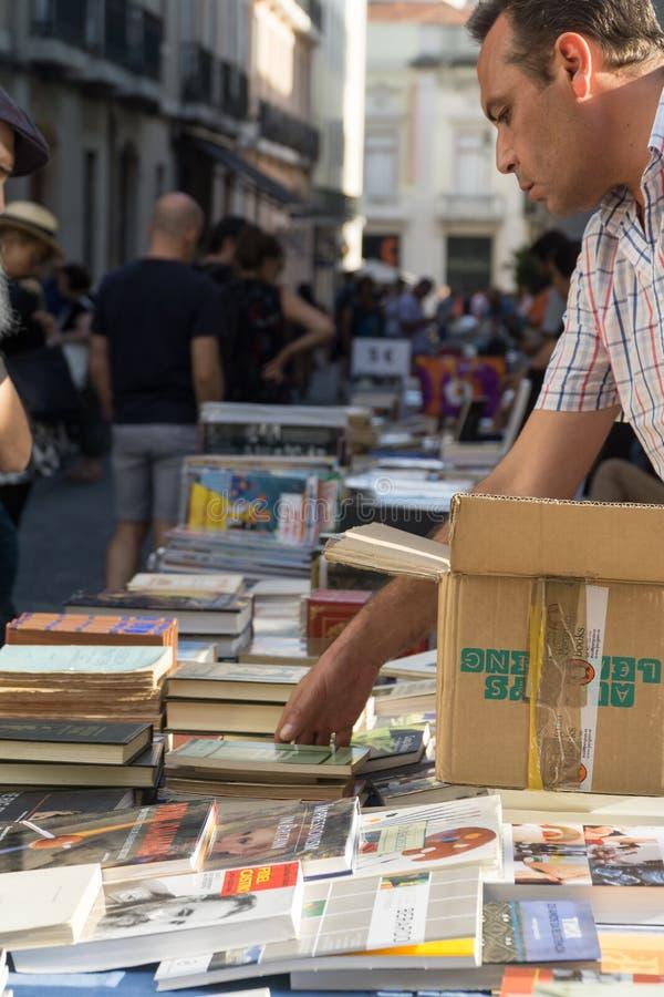 Mercado de rua do livro do fim de semana fotografia de stock