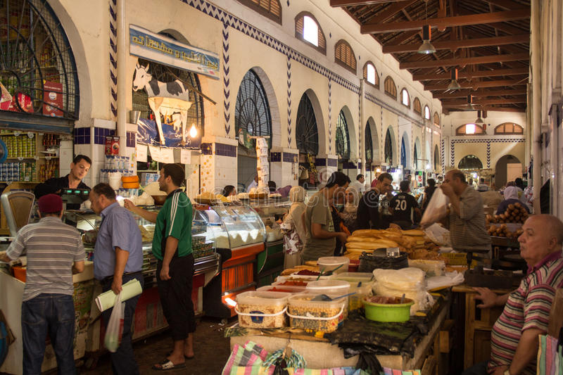 Mercado de rua em Tunes imagem de stock royalty free