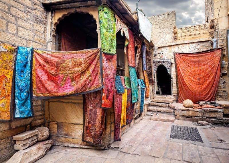 Mercado de ruas na Índia imagens de stock