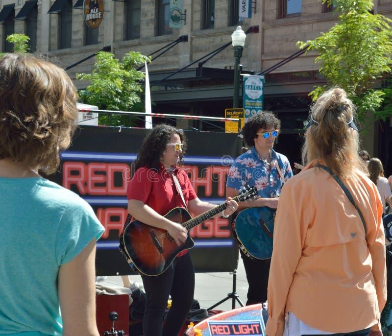 Mercado de sábado de los músicos de la calle imágenes de archivo libres de regalías
