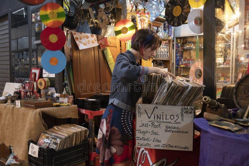 Mercado de San Telmo, i hj?rtan av den gamla grannskapen av det samma namnet i staden av Buenos Aires, Argentina arkivbilder