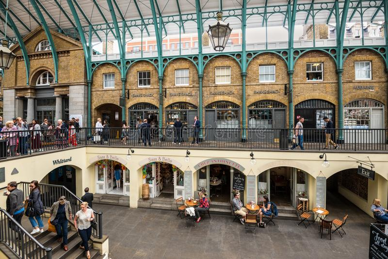 Mercado del jardín de Covent en Londres, Inglaterra, Reino Unido imagen de archivo
