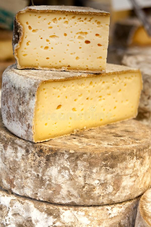 Mercado del queso de Annecy Francia fotografía de archivo