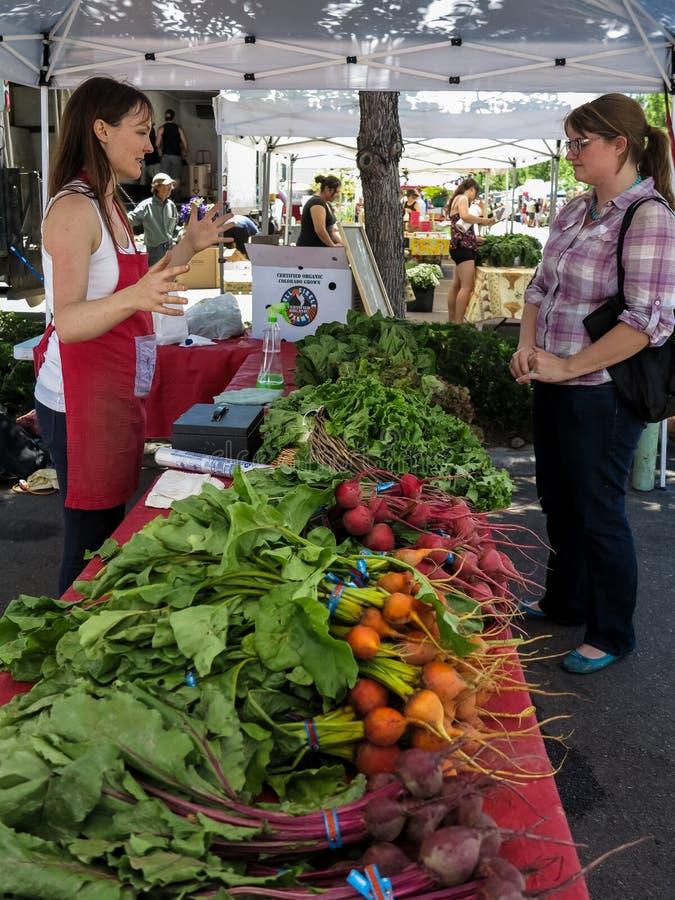 Mercado del sur de los granjeros de la calle de la perla en Denver imagen de archivo