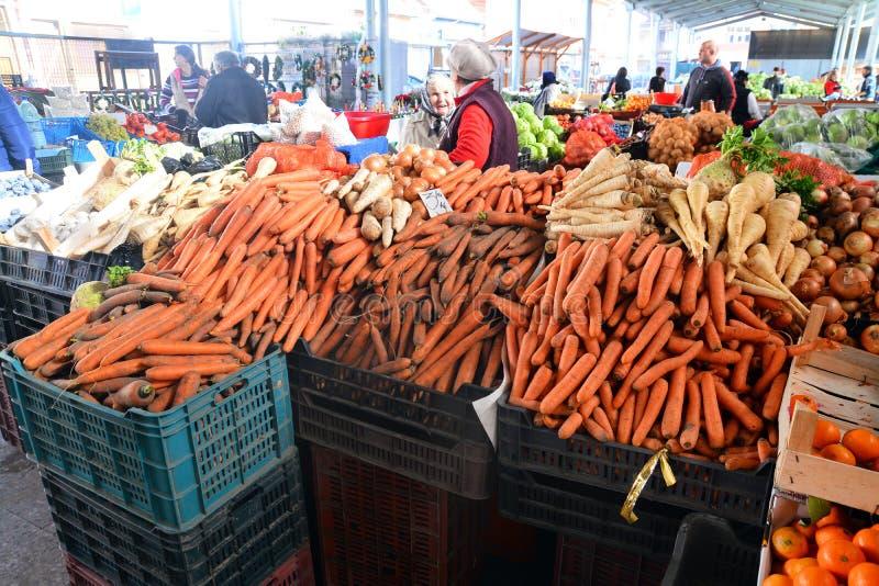 Mercado do alimento de romania foto de stock