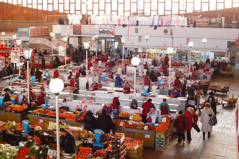 Mercado do alimento em Gomel fotografia de stock