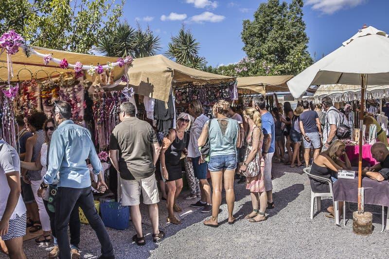 Mercado do hippy de domingo foto de stock