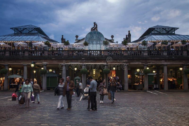 Mercado do jardim de Covent em Londres fotos de stock