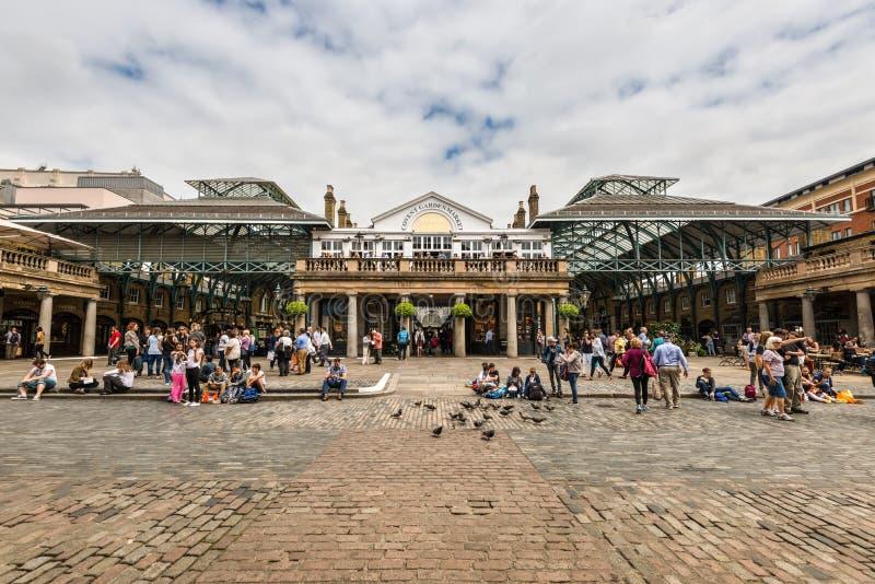 Mercado do jardim de Covent em Londres, Inglaterra, Reino Unido fotos de stock