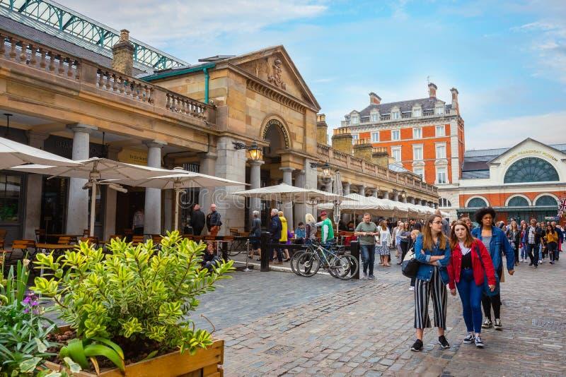 Mercado do jardim de Covent em Londres, Reino Unido fotos de stock