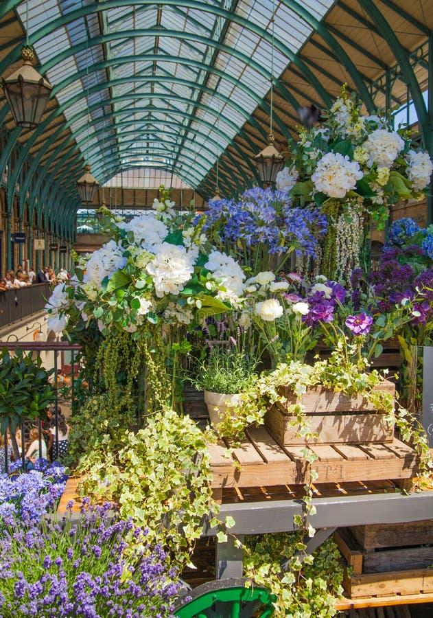 Mercado do jardim de Covent, Londres fotografia de stock royalty free
