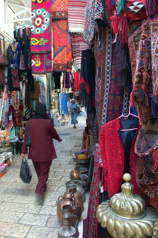 Mercado do leste em Jerusalem foto de stock