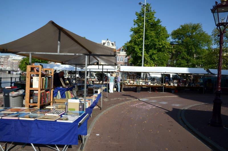 Mercado do livro em Amsterdão imagens de stock royalty free