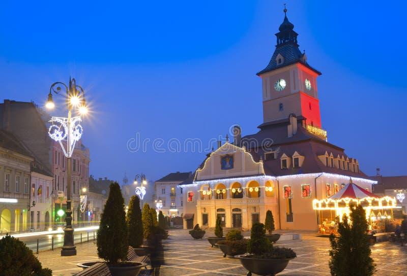 Mercado do Natal, centro de Brasov fotos de stock