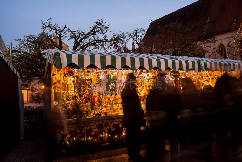 Mercado do Natal de Christkindlmarkt em Altötting, Alemanha fotos de stock