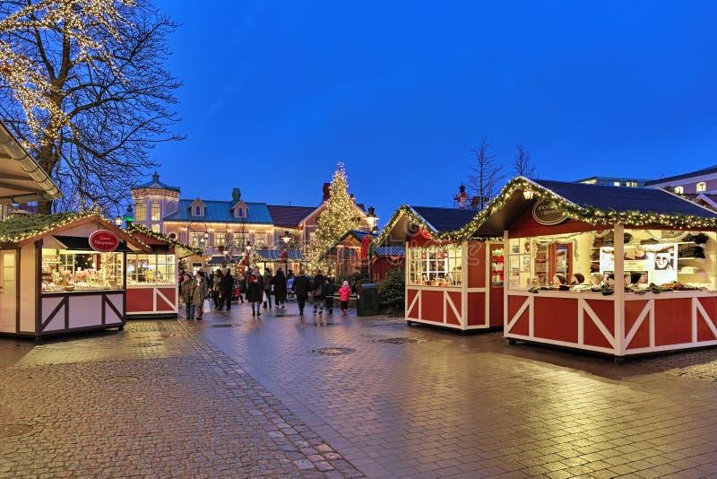 Mercado do Natal do parque de diversões de Liseberg em Gothenburg foto de stock royalty free