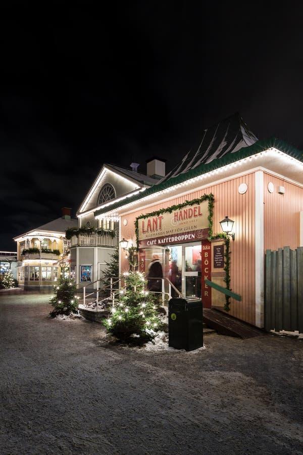 Mercado do Natal no parque de diversões Liseberg em Gothenburg, Suécia imagem de stock